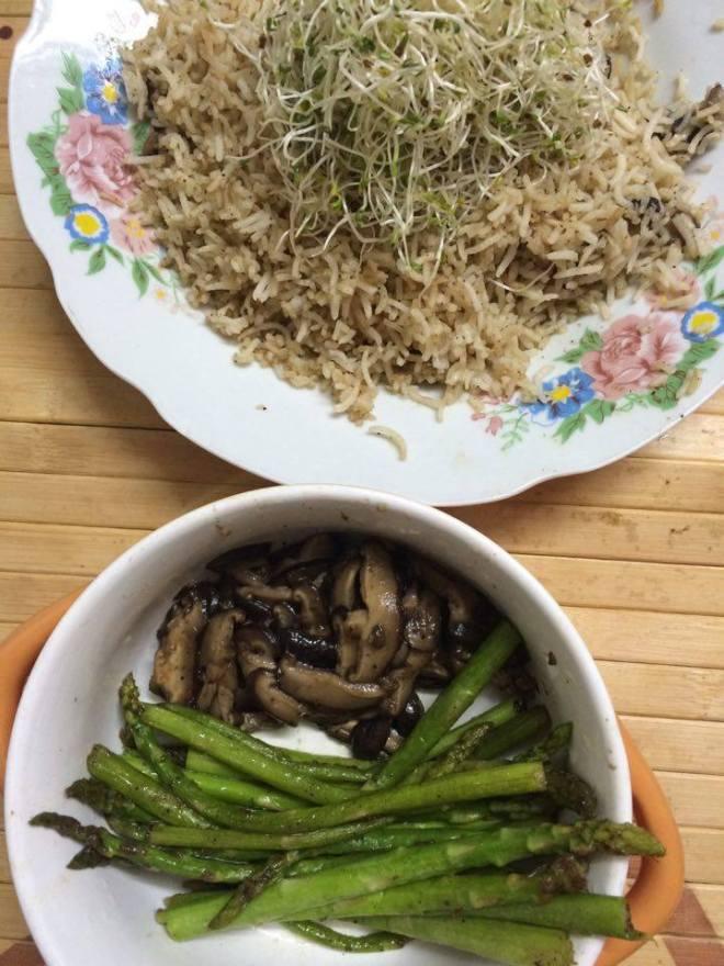 Muse-in-briefs-asparagus